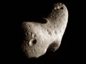 Eros, gefotografeerd door de NEAR-sonde (NASA)