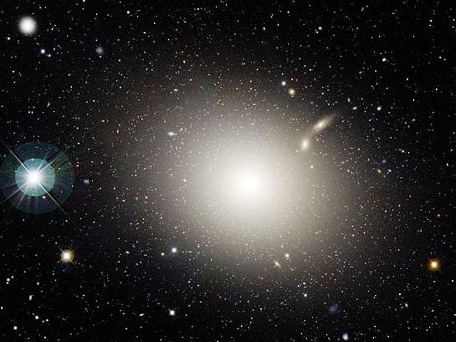 M87 in het sterrenbeeld Virgo - Maagd