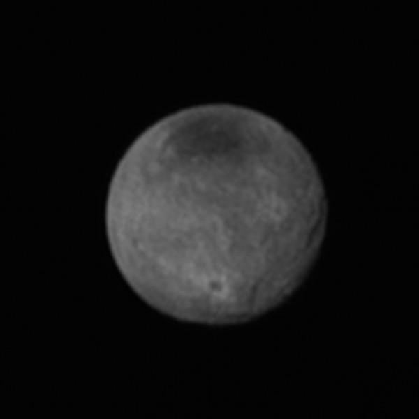 Charon, degrootste maan van Pluto