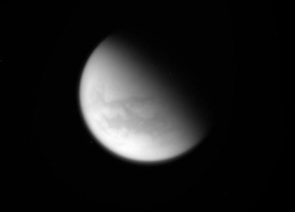 Titan gefotografeerd door de Cassini