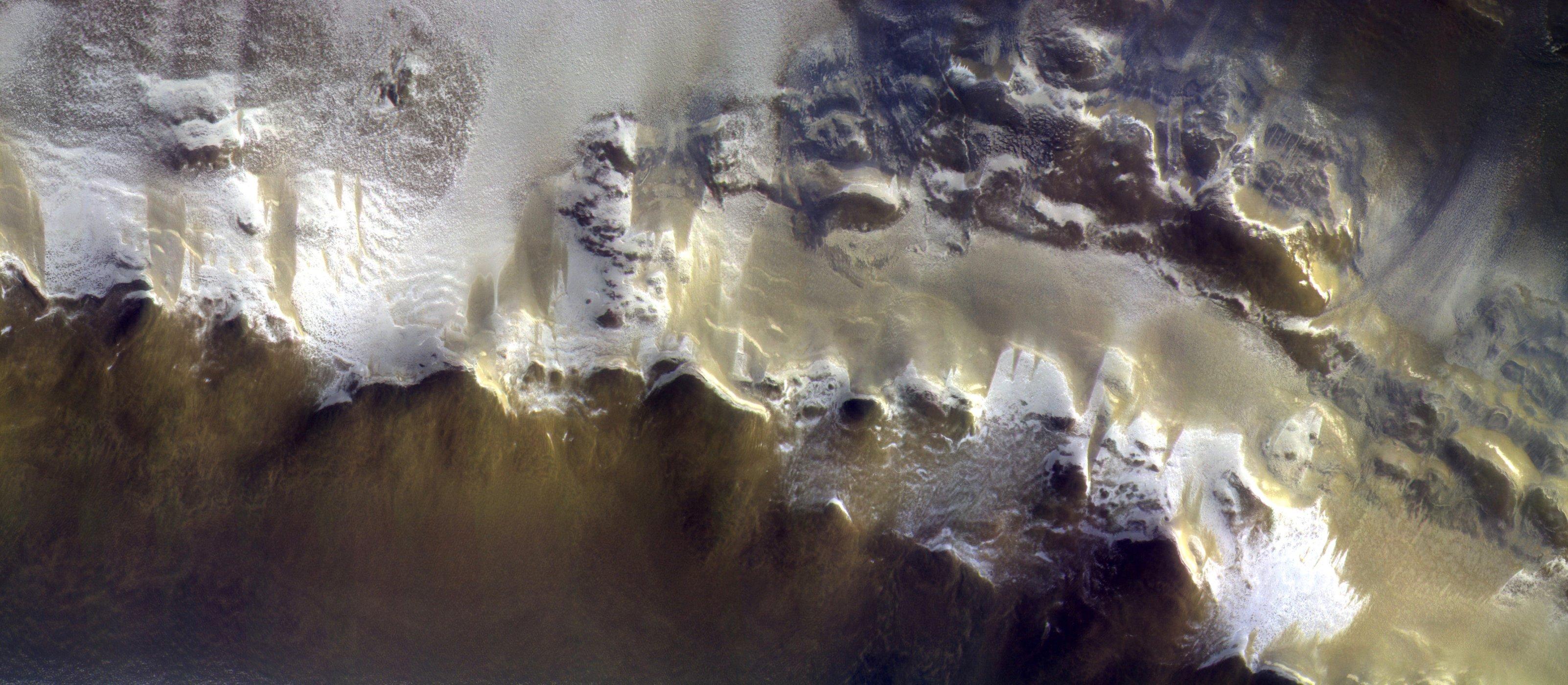 Eerste foto van de Trace gas Orbiter bij Mars