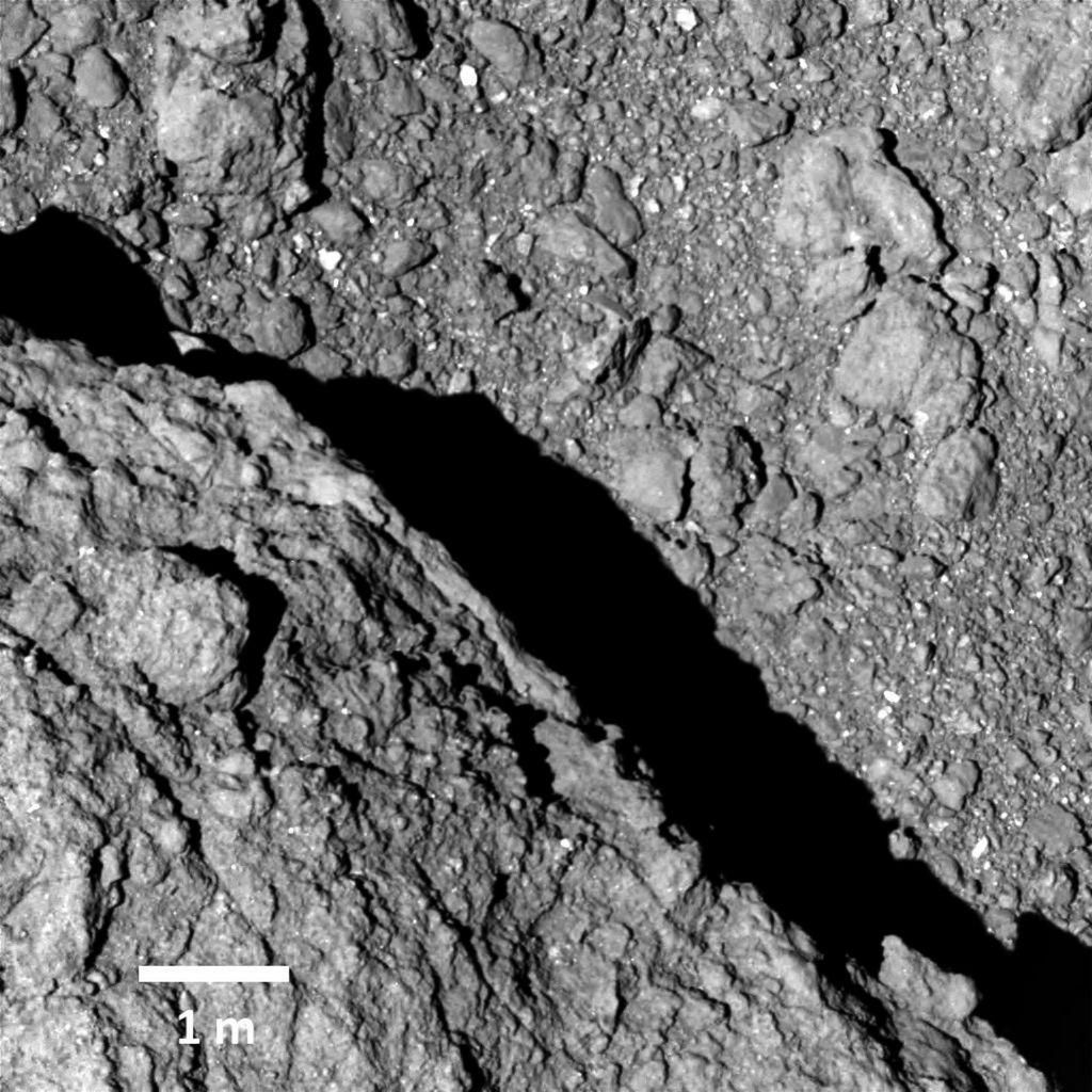Detailopname van het oppervlak van Ryugu