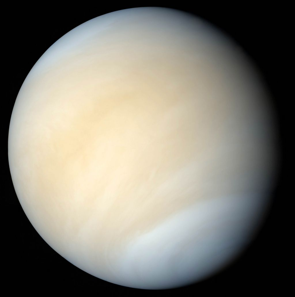 Venus in ware kleuren