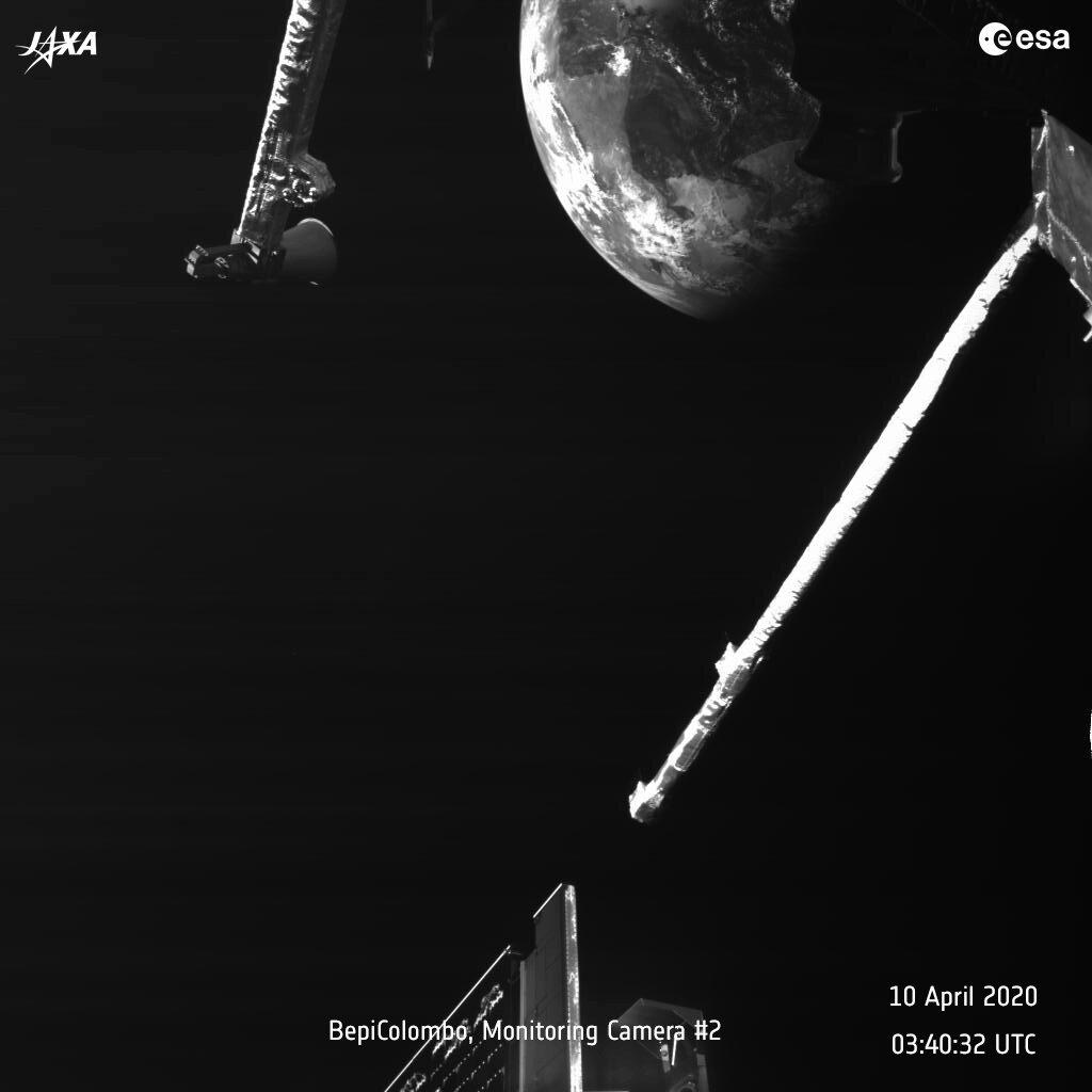 BepiColombo scheert langs de Aarde