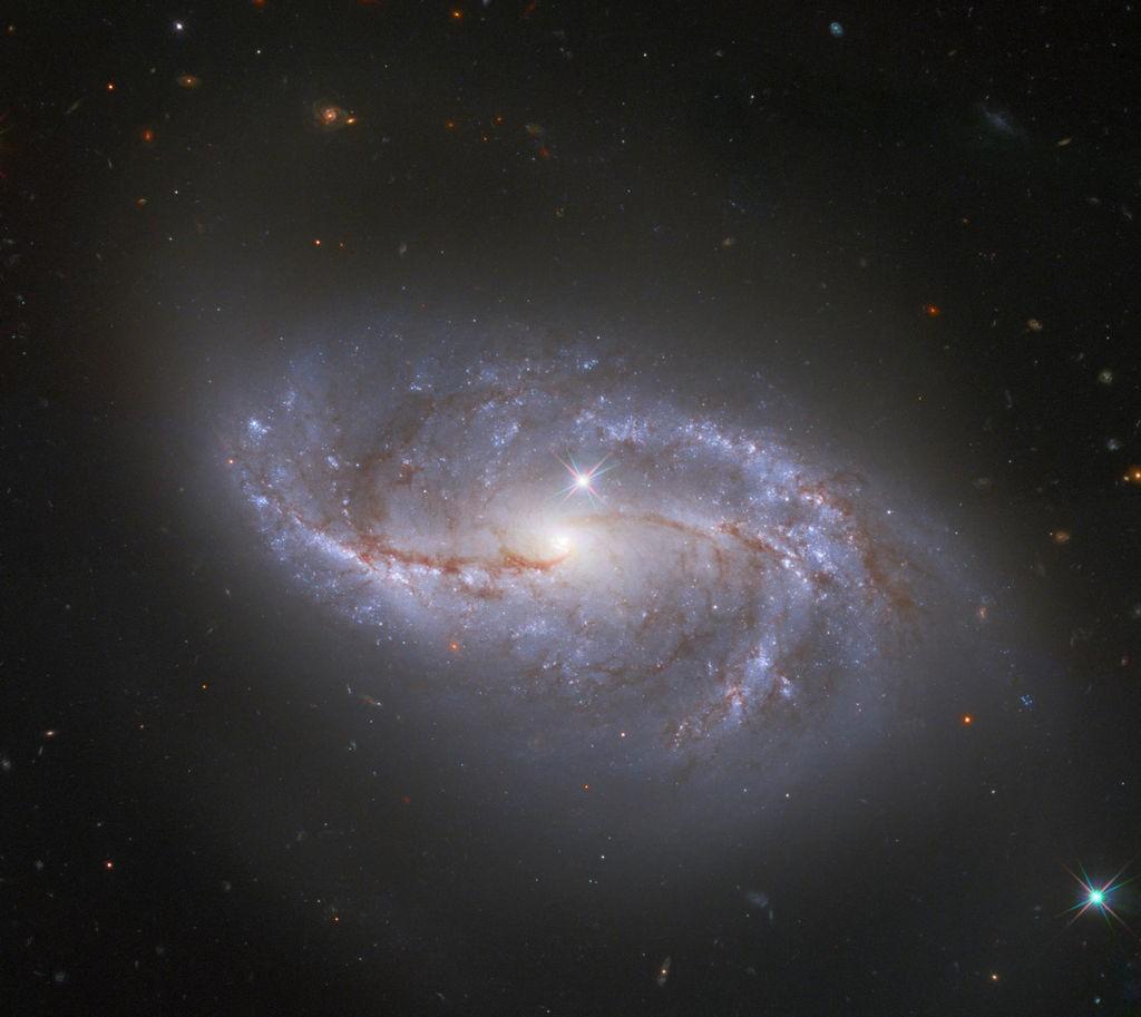 Hubble opname van NGC 2608