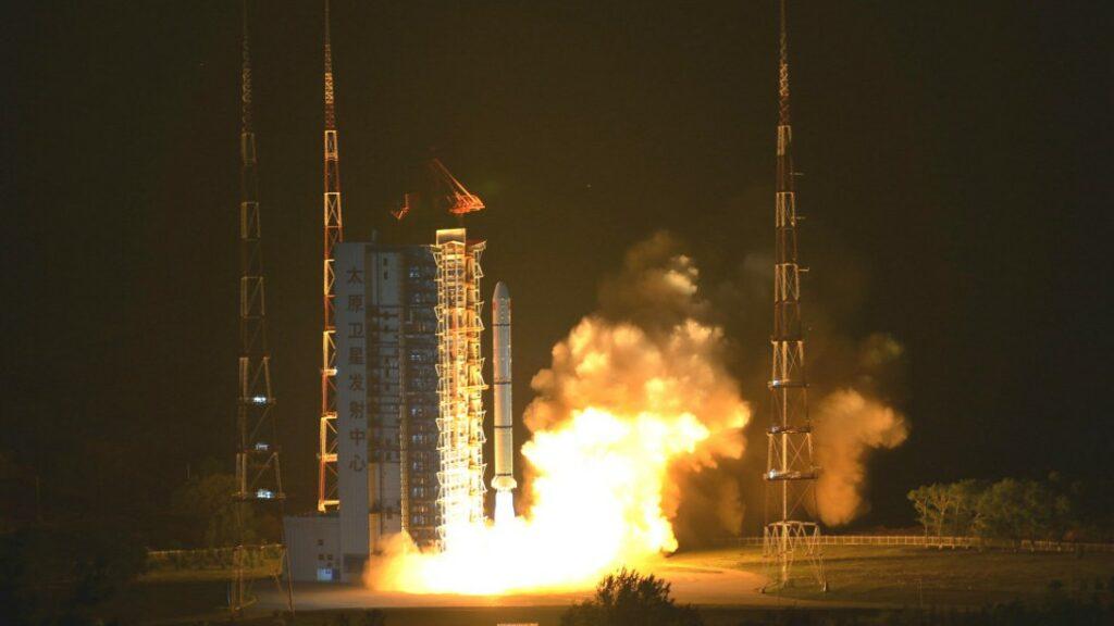 Lancering van de Haiyang 1D met behulp van een Lange Mars 2C raket