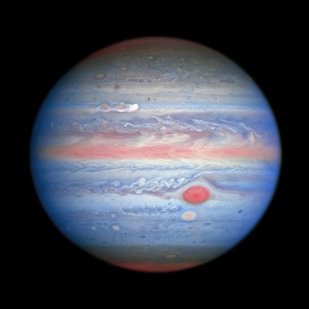 Foto van Jupiter op verschillende golflengtes gemaakt op 25 augustus 2020 door de Hubble Space Telescope