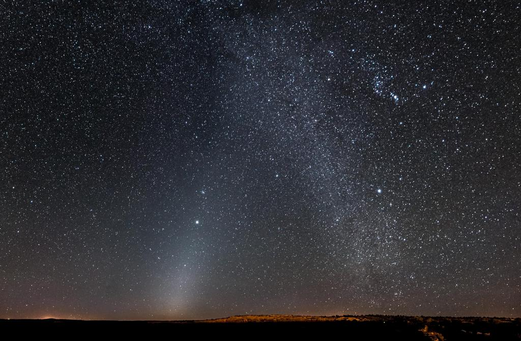 Zodiakaal licht en de melkweg