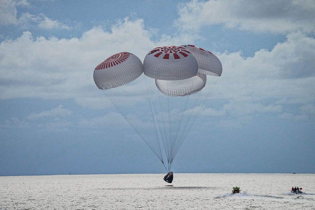 landing Crew Dragon Inspiration4