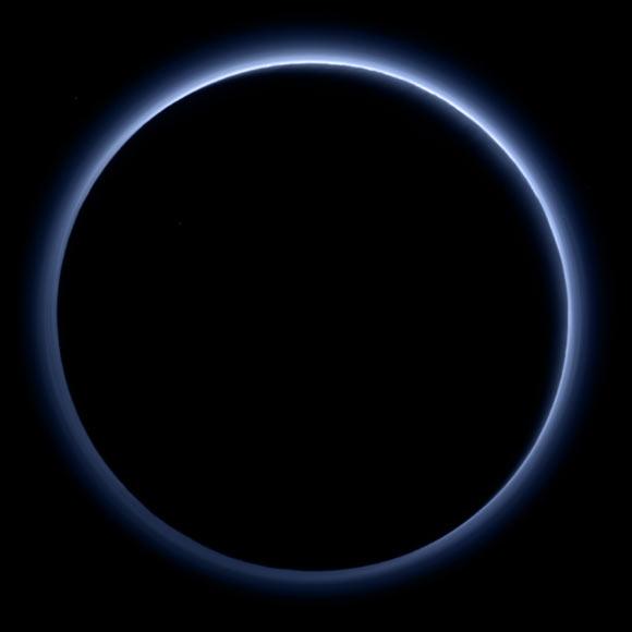 De ijle atmosfeer van Pluto